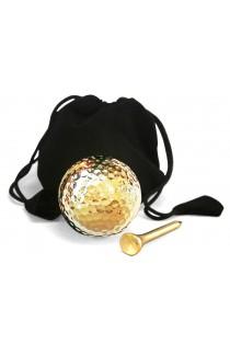 Balle et tee de golf trempés dans de l'or 24 carats. Affichage uniquement